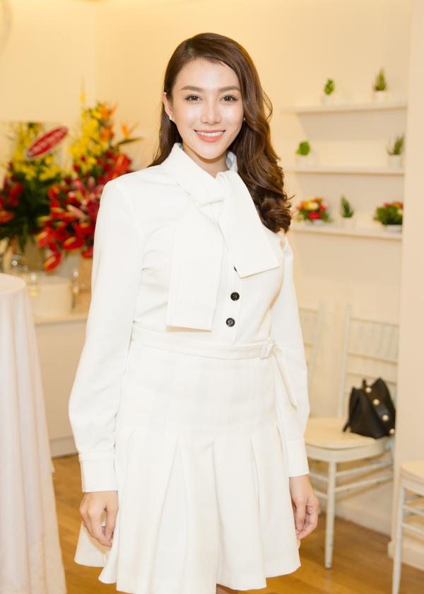 Người mẫu Lê Hà dự kiến lên xe hoa vào cuối năm nay.