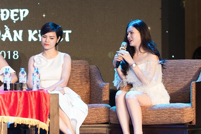 Hoa hậu Ngọc Hân gợi ý chọn son lì cho môi khô - 1