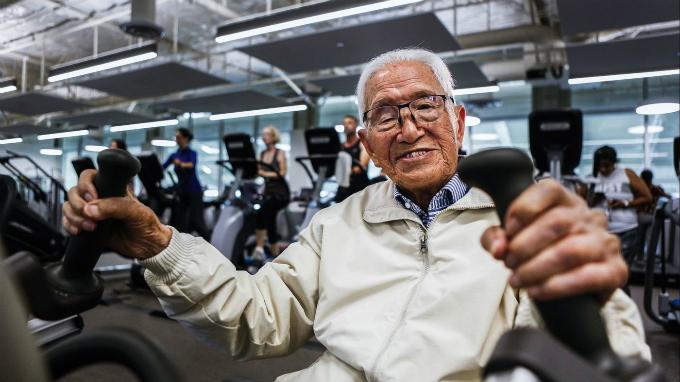 111 tuổi, cụ ông người Nhật trồng cây chuối, đến phòng gym mỗi ngày - ảnh 1