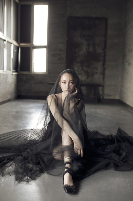 Linh Nga thổi hồn cho bộ sưu tập mới của Lâm Gia Khang - 3