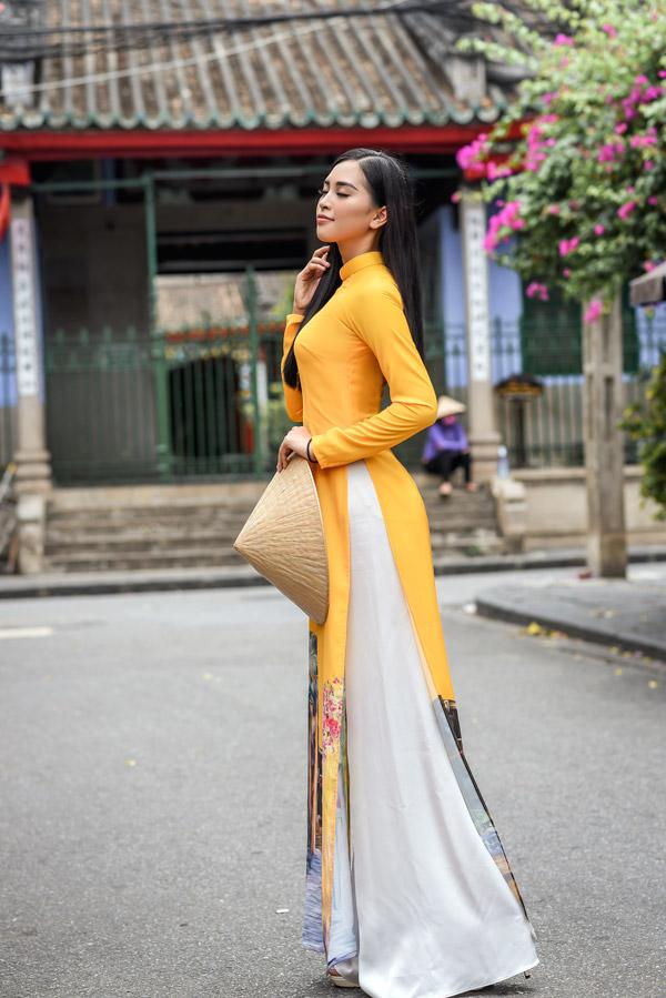Trần Tiểu Vy trong bộ sưu tập áo dài về Hội An của Hoa hậu Ngọc Hân - 4