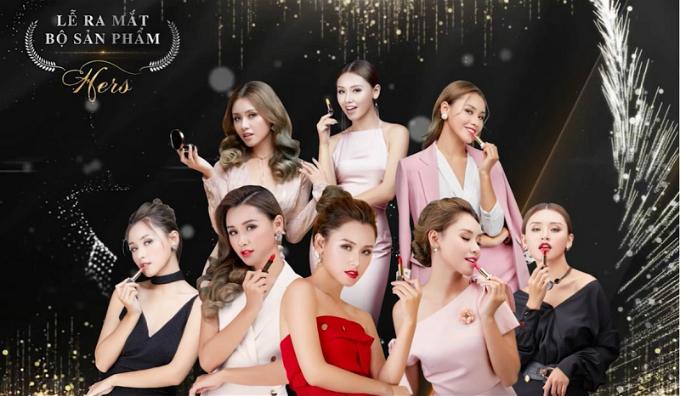 Bộ sưu tập Hers được trình diễn trên sân khấu bởi các người mẫu mang phong cách tương ứng với màu son.
