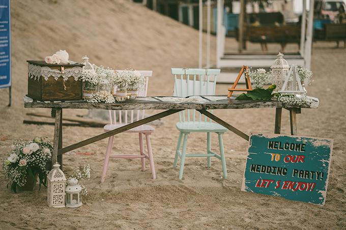 Đám cưới của cặp vợ chồng được tổ chức quy mô nhỏ với sự tham gia của 80 khách mời. Toàn bộ ekip đã mất hai ngày để hoàn thiện việc trang trí, dựng phối cảnh và tổng duyệt trước thềm đám cưới.