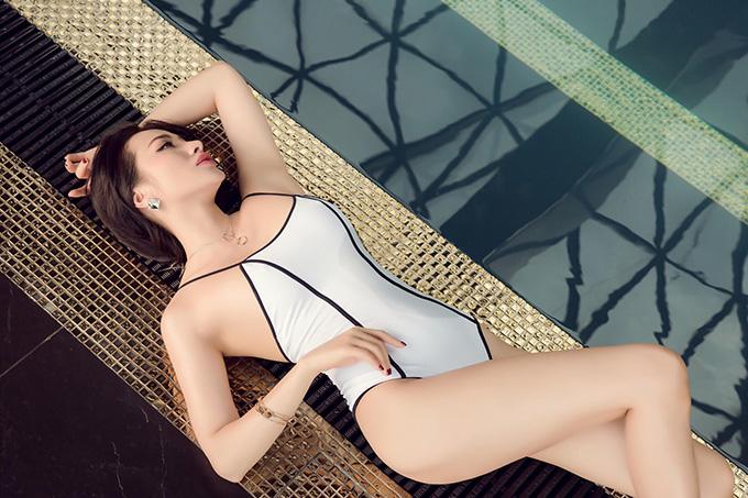 Yaya Trương Nhi đã có gần 10 năm theo đuổi nghiệp diễn viên và thường gắn với phong cách gợi cảm, cá tính. Cô được biết tới với các phim:Nhà có 5 nàng tiên, Âm mưu giày gót nhọn, Tèo Em, Glee...