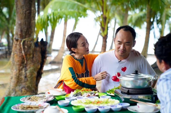 Chương trình Việt Nam tươi đẹp với sự tham gia của Thu Trang và Tiến Luật sẽ phát sóng vào lúc 17h20ngày 23/9 trên HTV9.