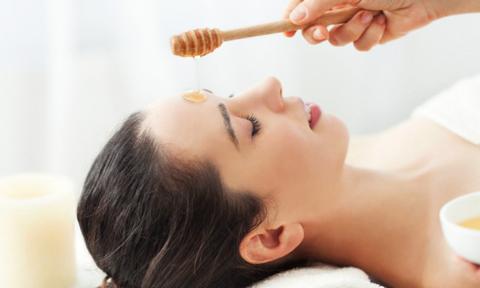 3 công thức mặt nạ mật ong giúp cải thiện sắc tố da