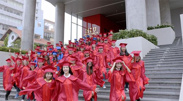Sinh viên Đại học Quốc tế Hồng Bàng (HIU) trong MV Mỗi ngày học mỗi ngày vui
