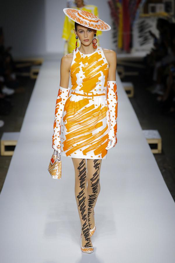 Nhan sắc 17 tuổi Kaia Gerber là một trong những gương mặt càn quét các tuần thời trang Xuân hè 2019 nhiều nhất.
