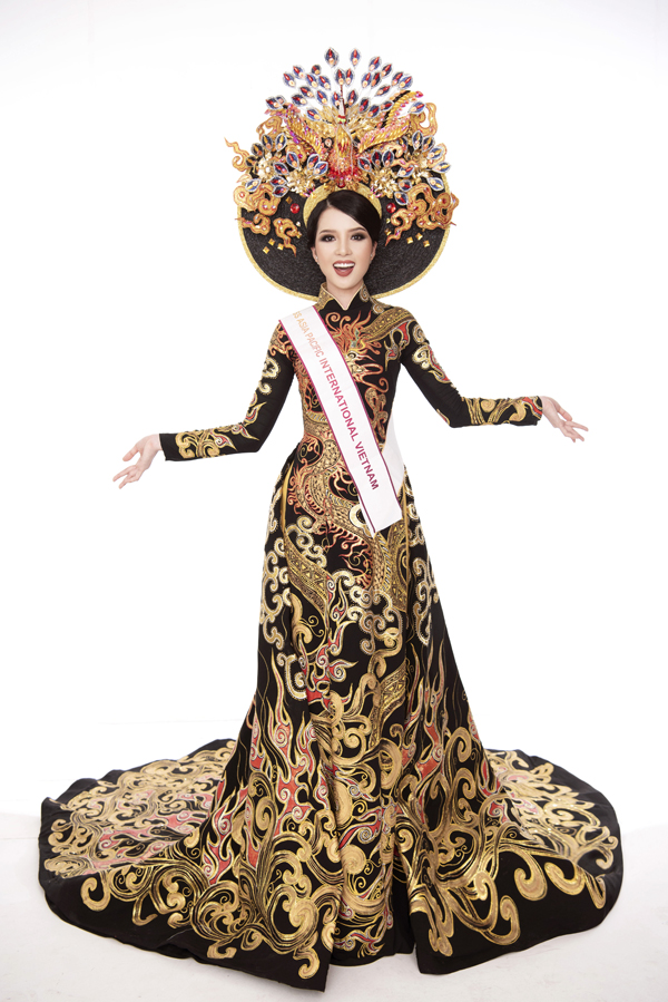 Miss Asia Pacific International đang diễn ra đến ngày 4/10 tại tại  Manila, Philippines. Huỳnh Thuý Vi kỳ vọng với sự nỗ lực của mình, cô sẽ  tiếp tục gặt hái thành công tại cuộc thi này sau Vương Thanh Tuyền,  Hoàng Thu Thảo của những năm trước.