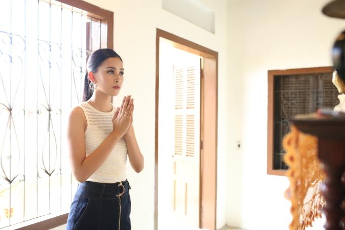 Tiểu Vy bắt đầu sống tự lập khi chuyển vào Sài Gòn vào đầu năm lớp 11.