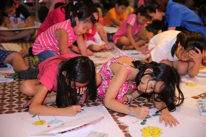 Đại diện The Garden Mall cho biết, sự kiện nhằm mang đến một sân chơi sáng tạo đầy bổ ích cho các em nhỏ và gia đình nhân mùa trăng tròn hàng năm.
