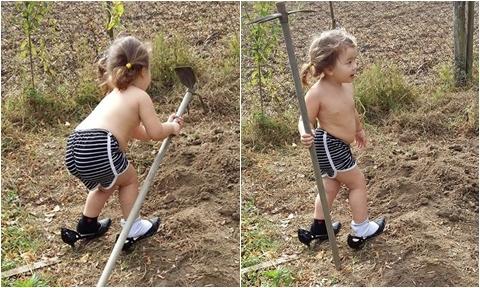 Bé gái lai Pháp đi giầy cao gót khi giúp mẹ làm vườn