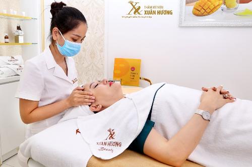 Hầu hết phụ nữ Việt Nam đều phải đối mặt với mụn, nám, tàn nhang vì chăm sóc da chưa đúng cách.
