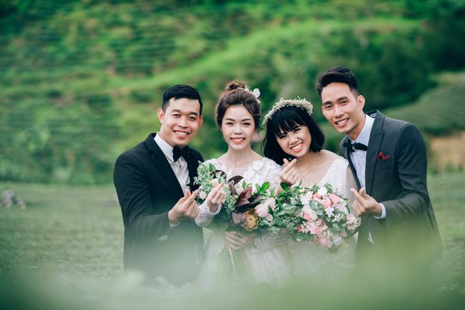 Khác xa so với ảnh cưới thông thường, bộ ảnh này có đến... 4 nhân vật chính trong cùng một khung hình, ghi lại khoảnh khắc hạnh phúc của lứa đôi trước ngưỡng cửa hôn nhân.Các nhân vật chính lần lượt là chú rể Phạm Mạnh Hùng (ngoài cùng bên trái), cô dâu Kim Dung (thứ hai từ trái sang), cô dâu Vũ Nhị Quỳnh (thứ ba từ trái sang) và chú rể Nguyễn Thế Tèo (ngoài cùng bên phải).