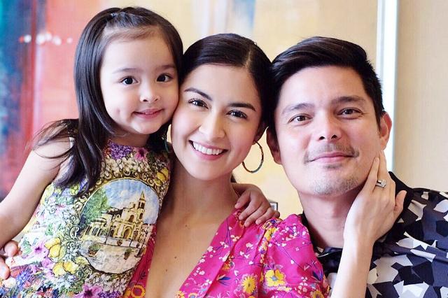 Gia đình ba ngườicủa mỹ nhân Philippines.