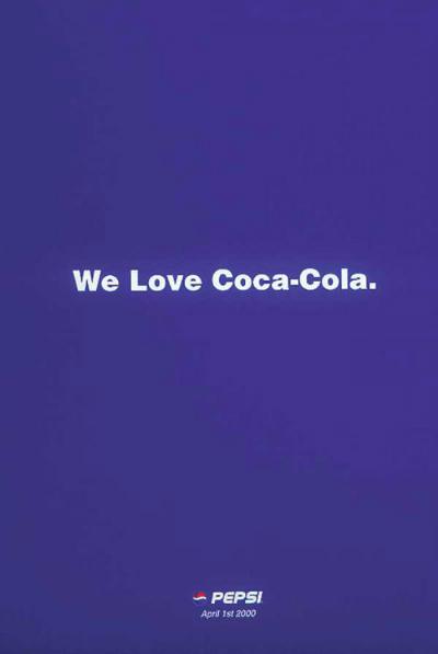 Pepsi tuyên bố yêu Coca-Cola vào ngày Cá tháng tư năm 2000. Ảnh: Hongkiat.