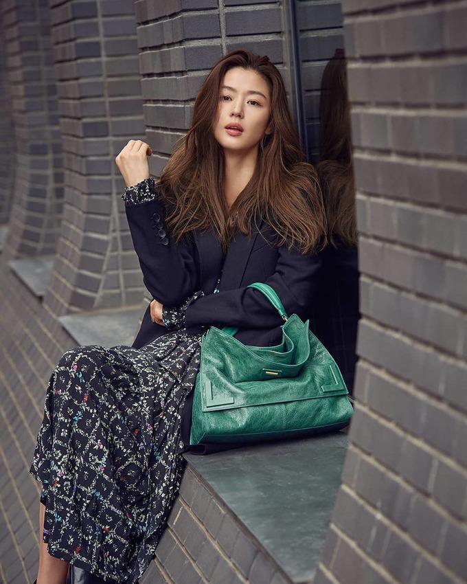 Bí quyết chăm sóc làn da không tuổi của \'mợ chảnh\' Jeon Ji Hyun