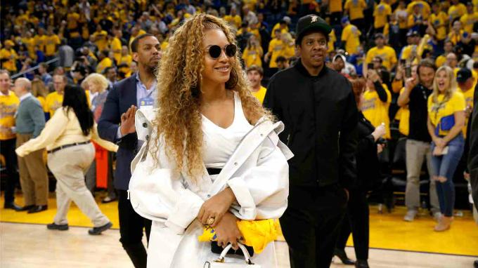 5.Beyonce Knowles - 700.000 USD:Nữ nghệ sĩ và doanh nhân da màu hợp tác với nhãn hàng quần áo như Fila thông qua Instagram, nơi cô sở hữu 116 triệu follower. Ảnh:Reuters.