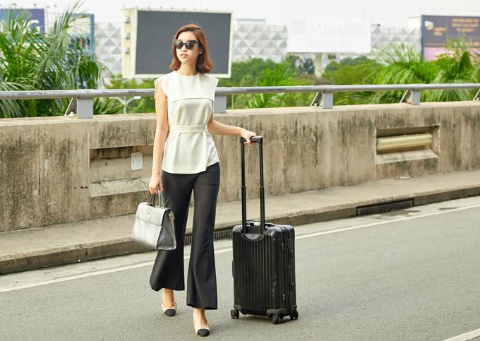 Hoa hậu Đỗ Mỹ Linh đọ mặt mộc với Phương Ly ở sân bay - 1