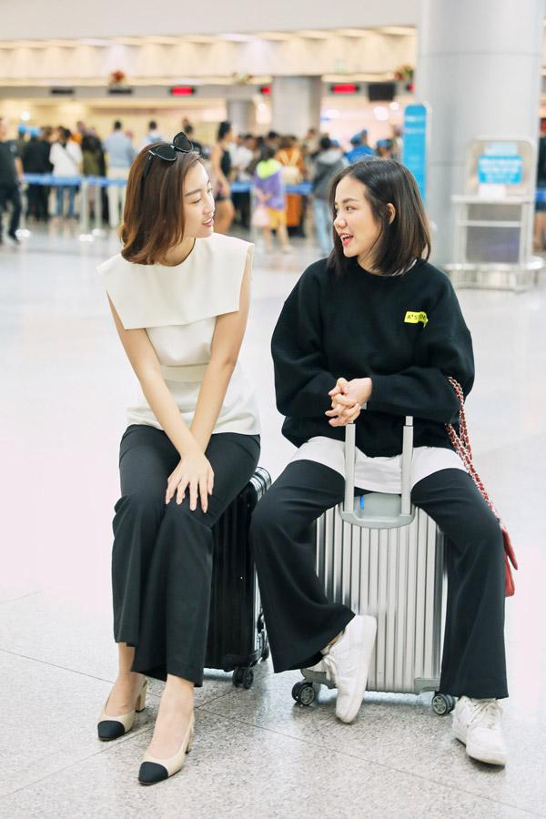 Hoa hậu Đỗ Mỹ Linh đọ mặt mộc với Phương Ly ở sân bay - 8