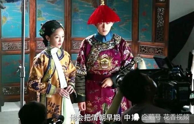 Thời điểm này, hoa đán Trung Quốc chưa bị guồng quay hơn 100 tập phim làm cho mệt mỏi, gương mặt cô rất rạng ngời.