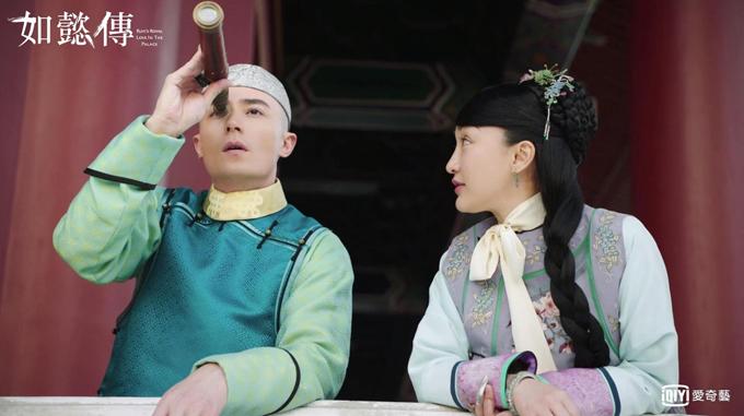 Lúc Như Ý truyện mới phát sóng, tạo hình của Châu Tấn bị chê màu sắc quê mùa lại thêm chiếc khăn quàng lạc quẻ. QQ nhận xét, nếu giữ nguyên tạo hình ban đầu, nữ diễn viên sẽ lên phim với diện mạo đẹp hơn và không phải chịu nhiều đả kích từ dư luận.