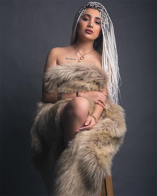 Người mẫu kiêm nữ hoàng sắc đẹp Tara Fares.