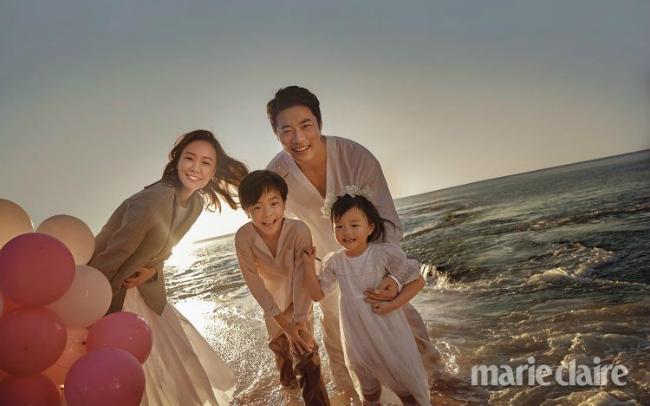 Gia đình 4 người bên nhau chốn thiên đường Bali.