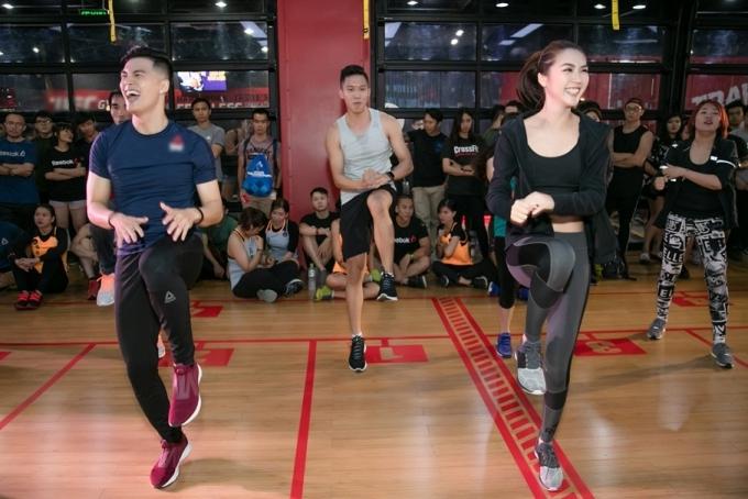 Lâm Vinh Hải thường xuyên giữ thói quen đến phòng gym đều đặn để rèn luyện nâng cao sức bền. Vốn là một vũ công, anh dễ dàng bắt nhịp theo âm nhạc khi thực hiện thử thách cùng Tường Linh.