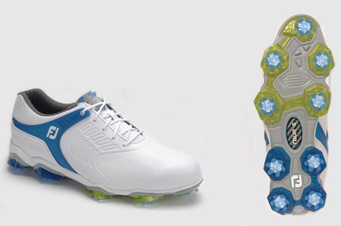 Giày gôn được yêu thích nhất: FootJoy Tour S Cleated TPU Saddle Strap Thiết kế thể thao của FootJoy Tour S mang phong cách thể thao hiện đại. Đặc điểm của phiên bản năm nay là được chế tác với trọng lượng nhẹ hơn 20% giúp mang lại cảm giác nhẹ nhàng khi di chuyển, vận động.