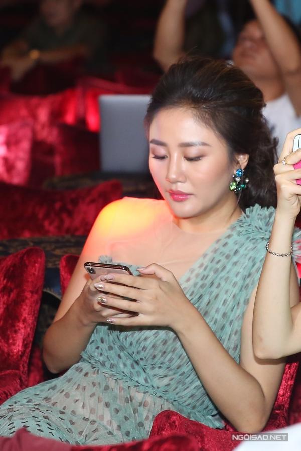 Ca sĩ Văn Mai Hương.