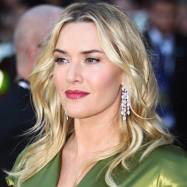 Kate Winslet sử dụng HydraFacial chăm sóc làn da bản thân.