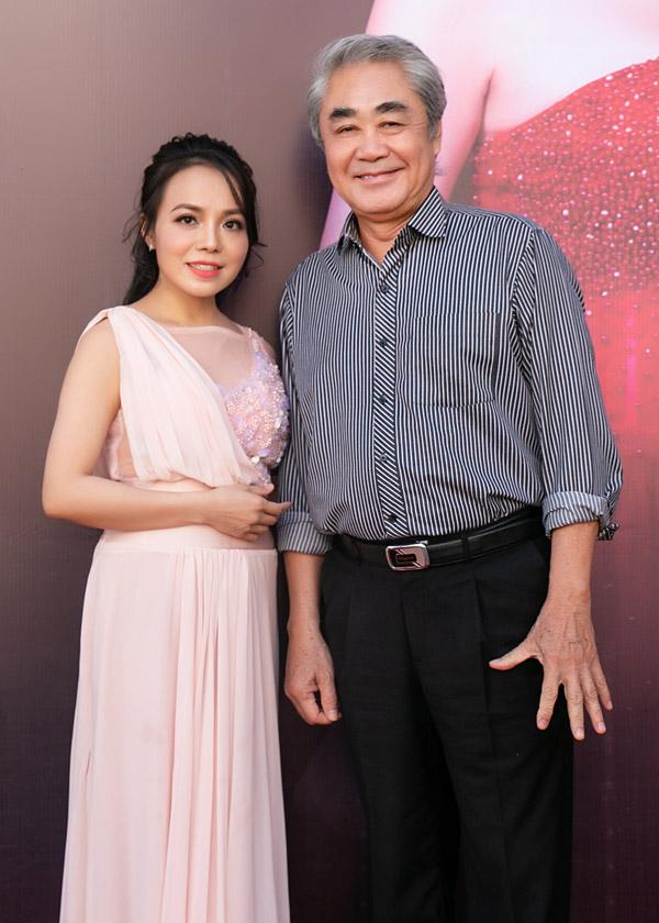 Lan Anh và thầy giáo - NSND Quang Thọ.