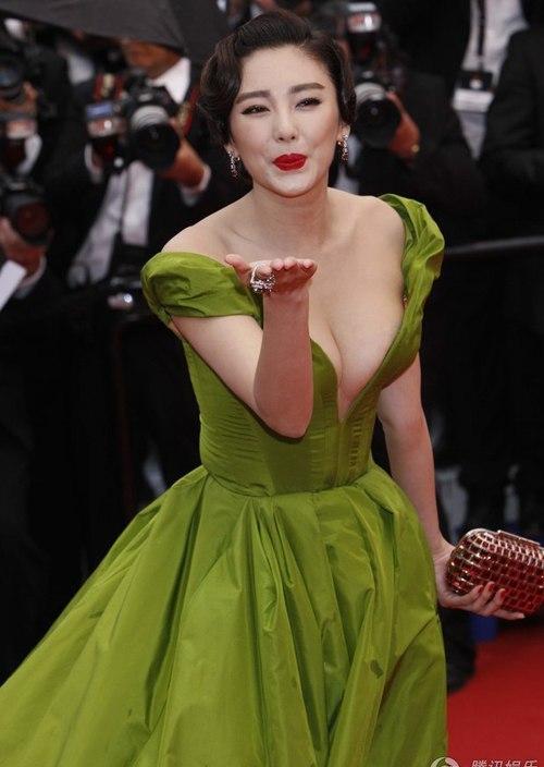 Trương Vũ Kỳ trên thảm đỏ Cannes 2013.