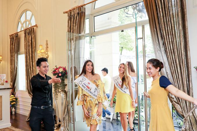Sau khi đăng quang, tân Hoa hậu Daniela Zivkov cùng Á hậu có chuyến thăm Việt Nam và trở thành khách mời của đêm chung kết Hoa hậu Việt Nam 2018. Bên cạnh nhiều hoạt động theo lịch trình, hai người đẹp còn đến thăm và trải nghiệm các dịch vụtại Viện chăm sóc sức khoẻ sắc đẹp Thanh Hằng Beauty Medi.
