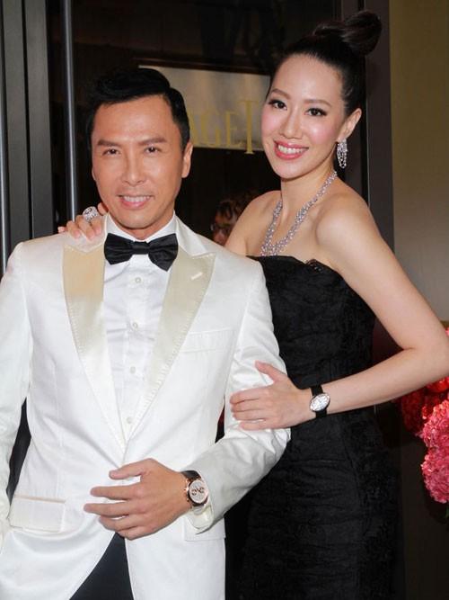 Ngôi sao võ thuật cùng người vợ hiện tại - Uông Thi Thi.