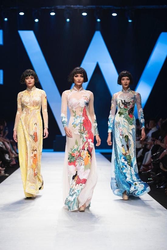 Mẫu áo dài Tiểu Vy sử dụng là một trong những thiết kế đặc biệt ở bộ sưu tập Coco yêu dấu của Công Trí.