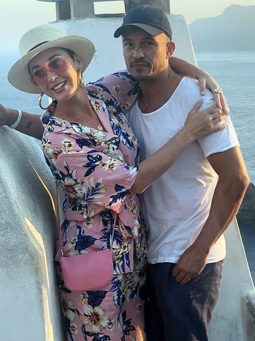 Cặp sao đi du lịch ở Hy Lạp vào tuần trước.