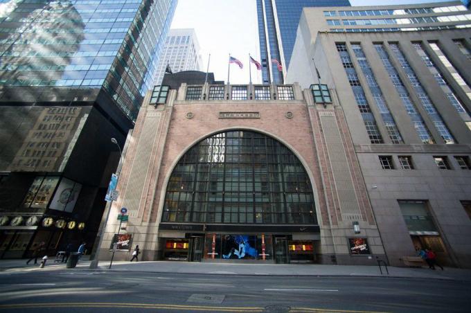 Trump Tower (New York)mất khách thuê 6.000 m2 khi Nike dời cửa hàng biểu tượngcủa họ. Ảnh:Bloomberg.