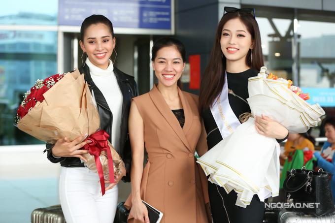 Hoa hậu Tiểu Vy, bà Kim Dung, Á hậu Phương Nga chụp ảnh kỷ niệm. Giữa tháng 11 tới, Tiểu Vy cũng sang Trung Quốc tham gia Miss World 2018.