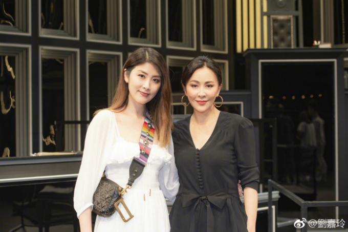Loạt mỹ phẩm giúp Lưu Gia Linh trẻ hóa làn da ở tuổi 52 - ảnh 1