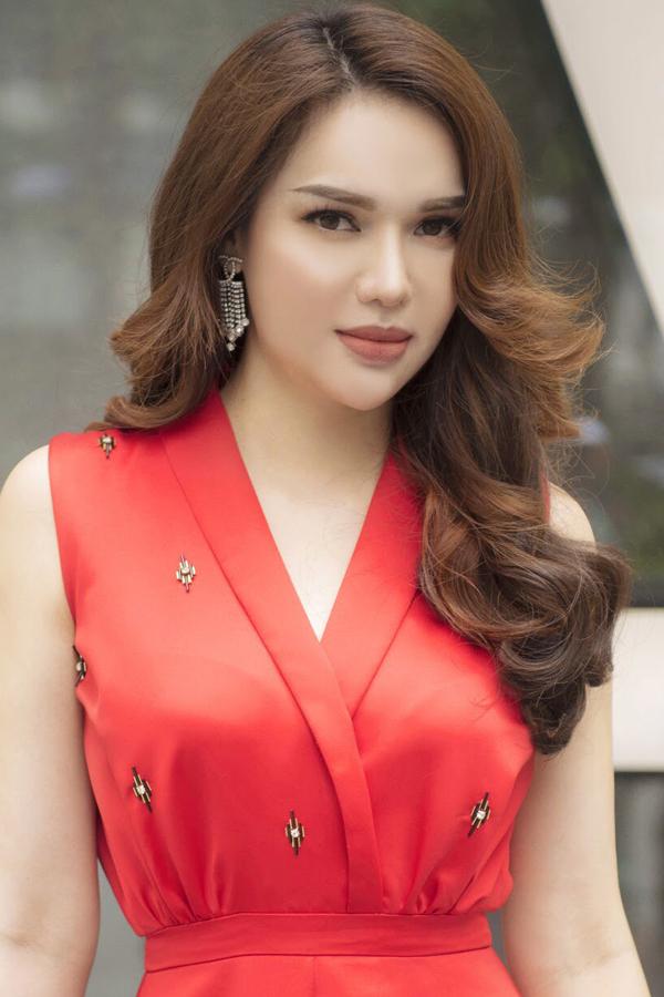 Hoa hậu Đông Nam Á Diệu Hân gợi ý 3 màu son đất an toàn cho mọi tone da - ảnh 1
