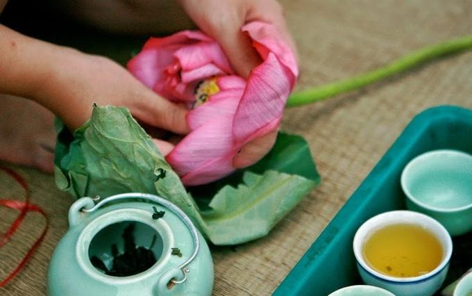 9 loai tra hoa giup ban nhe dau moi khi cang thang
