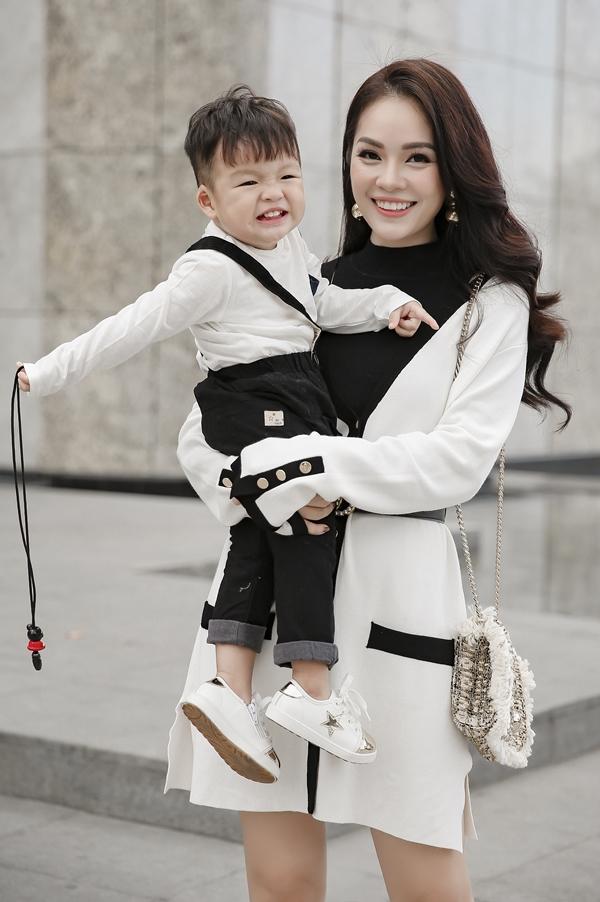 Cao Thái Hà bảo vệ Song Luân trước chê bai diễn xuất phim Hậu duệ mặt trời - 5