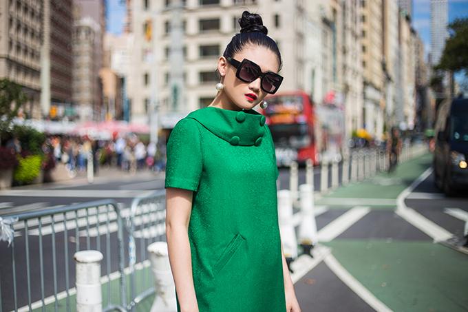 Kha Mỹ Vân gợi ý mặc đẹp cùng tông xanh lá bắt mắt - ảnh 8