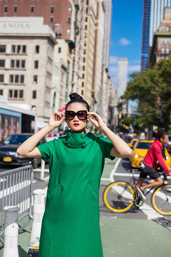 Kha Mỹ Vân gợi ý mặc đẹp cùng tông xanh lá bắt mắt - ảnh 9