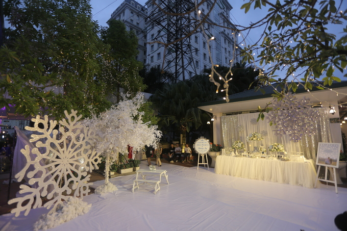 Tiệc cưới chủ đề \'Bản tình ca mùa đông\' giữa lòng Hà Nội