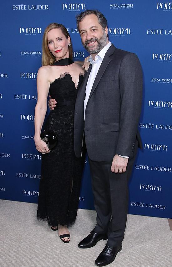 Vợ chồng đạo diễnJudd Apatow và diễn viênLeslie Mann.