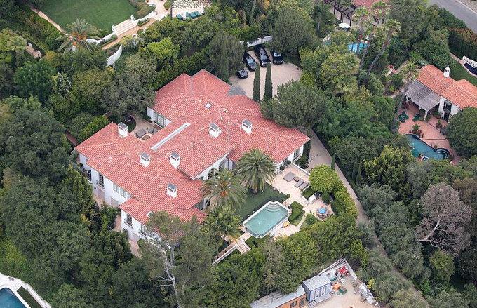 Becks - Vic lãi lớn khi bán biệt thự ở Mỹ