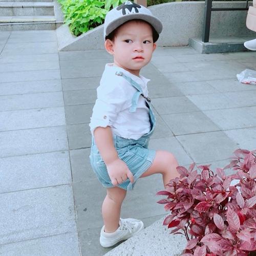 Con trai Lý Hải - Minh Hà bỏ ăn 10 ngày vì mắc bệnh tay chân miệng - ảnh 2